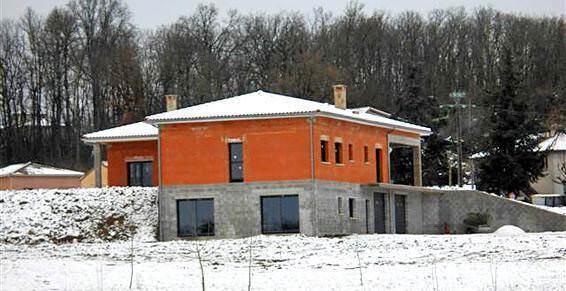 Restauration de bâtiments anciens aux environs de Jouqueviel