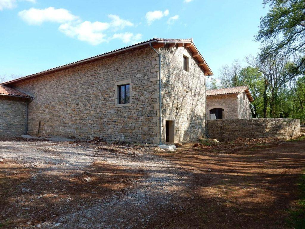 Restauration de bâtiments pierres aux environs de Mirandol-Bourgnounac