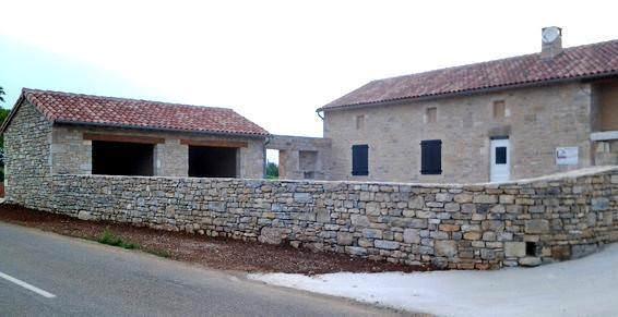 Maçon pierre naturelle près de Saint-Daunès